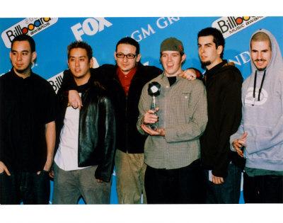 Linkin Park se reinventa en Thousand Suns 50815linkin-park-posters